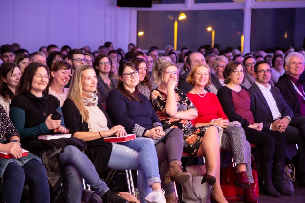 Dem Publikum macht´s sichtlich Spaß. Foto: Josephine Leonhardt Photographie